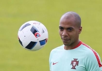 Mario đến Inter Milan với giá kỷ lục Bồ Đào Nha
