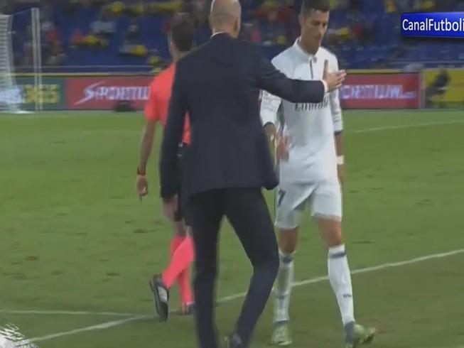 Ronaldo phản ứng khi bị thay ra sân, Zidane nói gì?