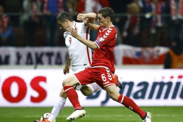Lewandowski một hat trick, Muller cú đúp