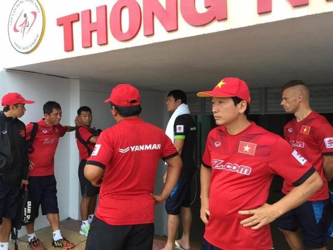 Chuỗi ngày mưa không chiều lòng đội tuyển Việt Nam