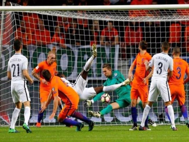Pháp thắng, Benteke lập kỷ lục, Pogba ghi bàn