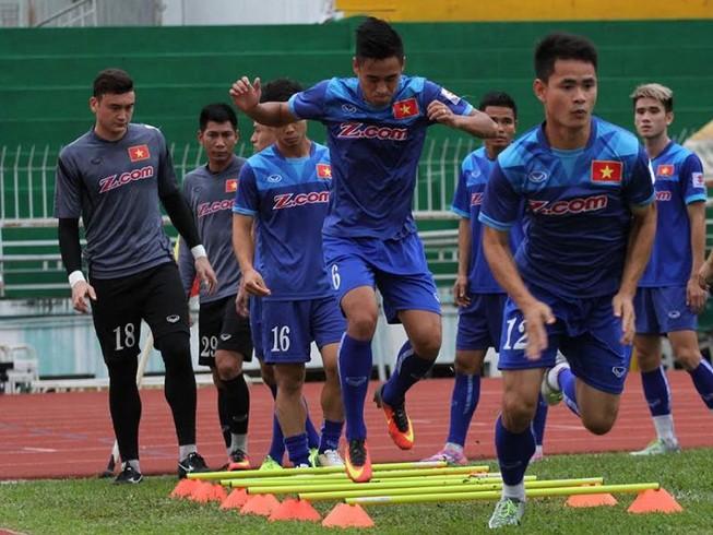 Đội tuyển Việt Nam thăm làng SOS