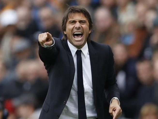 Conte đang ở thế 'dưới giá thòng lọng'