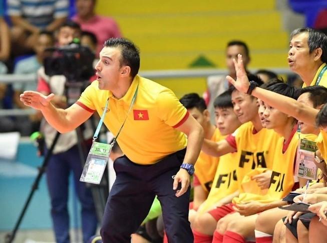 Bruno Garcia chia tay Futsal Việt Nam để đến Nhật