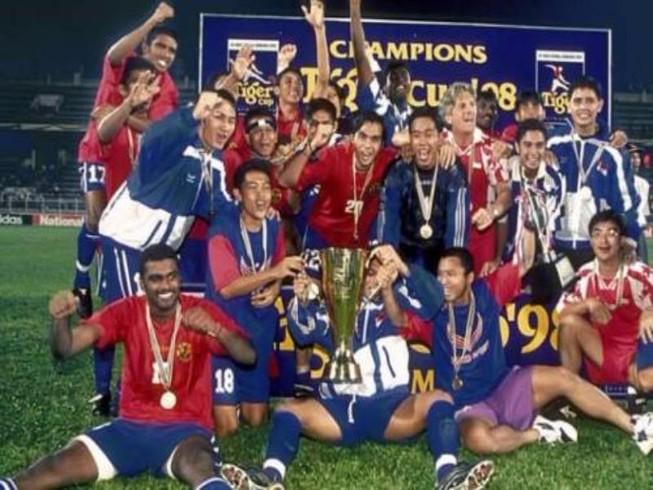 Đông Nam Á: Giấc mơ World Cup và chuyện… 'đốt đền'