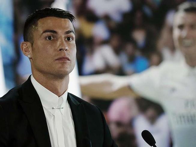 Ronaldo sẽ trở thành cầu thủ tỉ phú đầu tiên