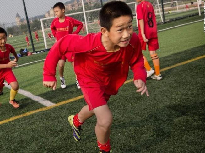 """Giấc mơ """"3 trong 1"""" của bóng đá Trung Quốc là hão huyền"""