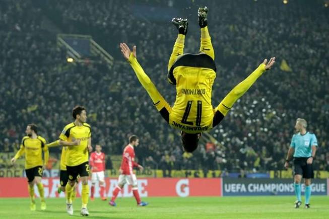 Champions League còn có Dortmund chứ đâu mỗi Barca