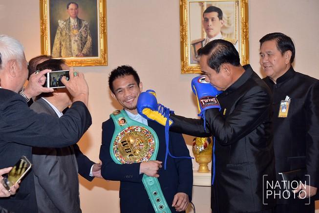 Thái Lan chán bóng đá… yêu boxing