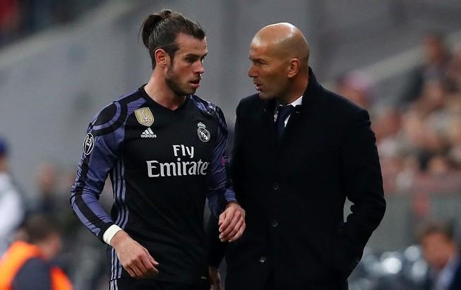 """Fan Real muốn nói Bale """"nhà đang yên ấm…con đừng về"""""""