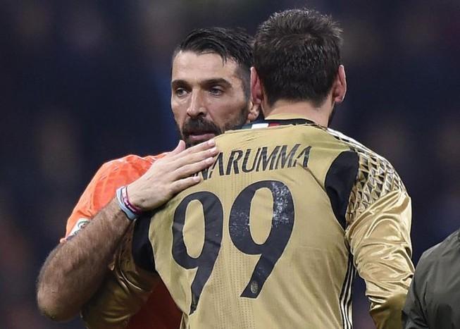 """""""Truyền nhân"""" của Buffon bị đồng tiền tha hóa"""