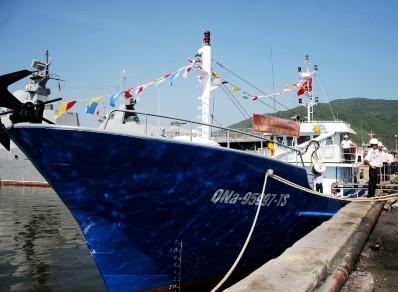 Thêm một tàu cá vỏ thép cho ngư dân bám biển