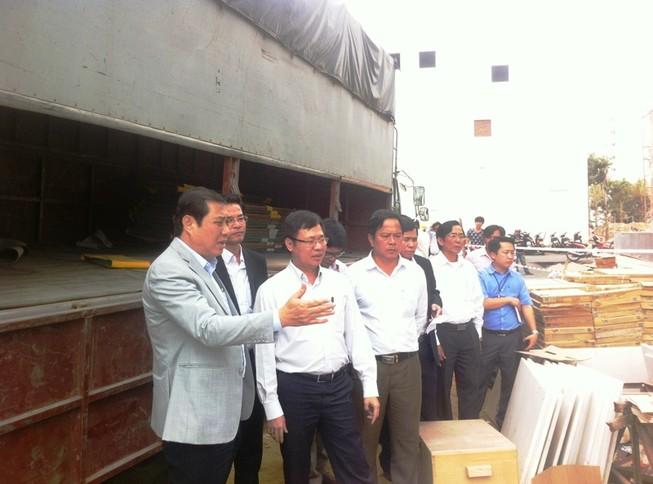 Chủ tịch Đà Nẵng trực tiếp đến hiện trường vụ rơi thang máy năm người chết