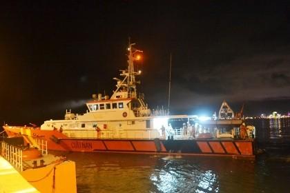 Cứu tàu của 'anh hùng Chan Chu' bị nạn trên biển Hoàng Sa