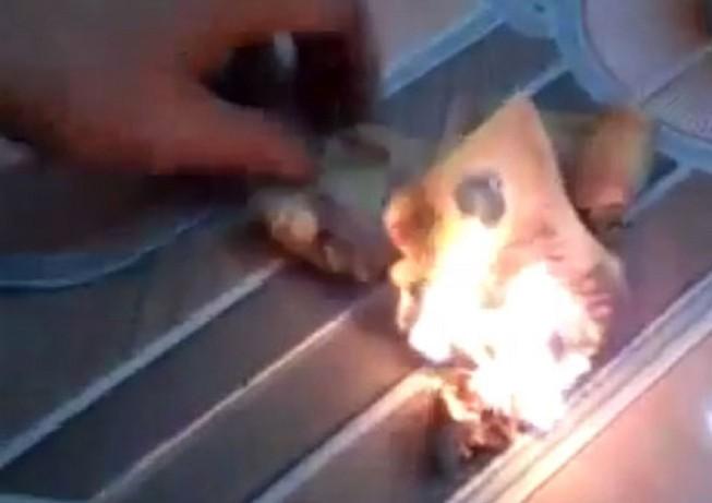 Đà Nẵng xác minh thông tin khách Trung Quốc đốt tiền Việt tại quán bar