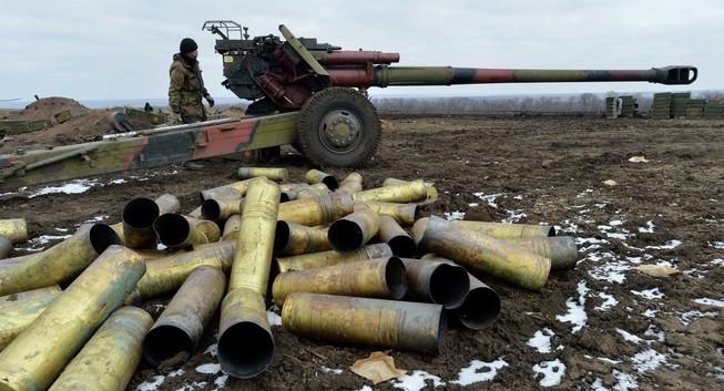 Đấu pháo liên tục tại miền Đông Ukraine