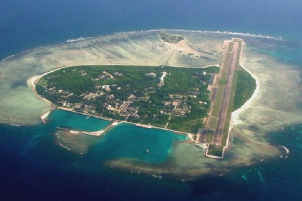 Trung Quốc cũng đang xây đảo nhân tạo trái phép tại Hoàng Sa