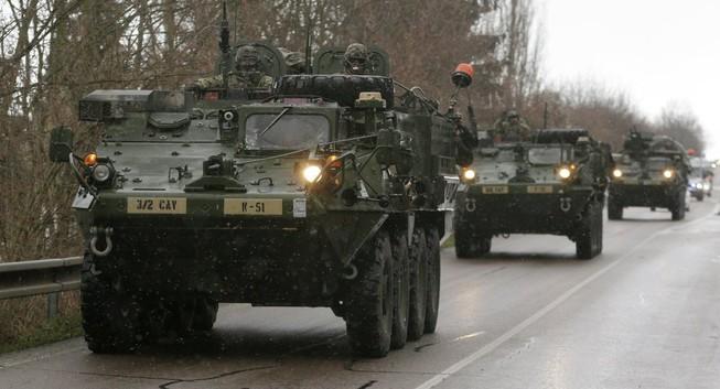Lính dù Mỹ đến Ukraine giữ lúc căng thẳng leo thang