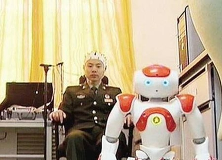 Trung Quốc chế tạo robot được điều khiển bằng não bộ