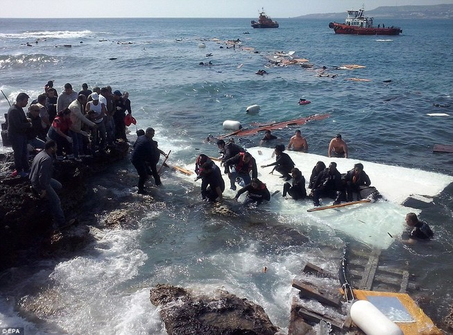 Hơn 800 người tị nạn chết trong vụ lật tàu Địa Trung Hải