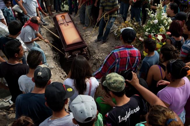 Cảnh sát Mexico bị tình nghi 'tàn sát dân thường'