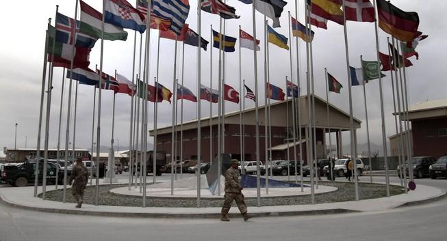 NATO thiết lập đường dây nóng với Nga