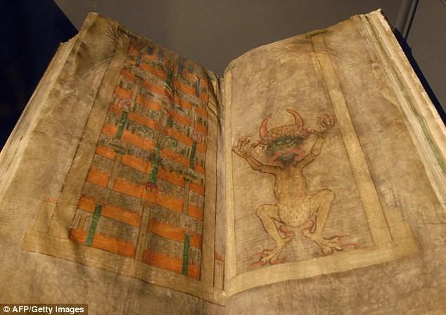 Bí ẩn 'Kinh thánh của Quỷ' viết từ thời Trung cổ