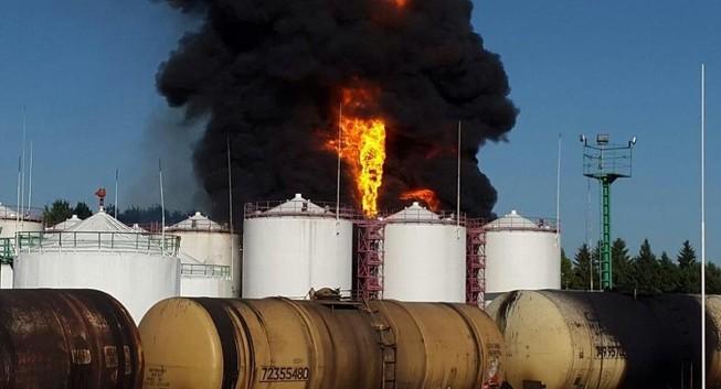 Cháy lớn tại kho chứa dầu gần thủ đô Kiev