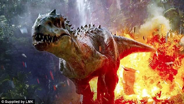 Jurassic World phá kỉ lục toàn cầu trong ba ngày đầu ra mắt