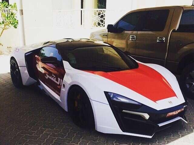 Cảnh sát Abu Dhabi tậu siêu xe trị giá 3,4 triệu đô
