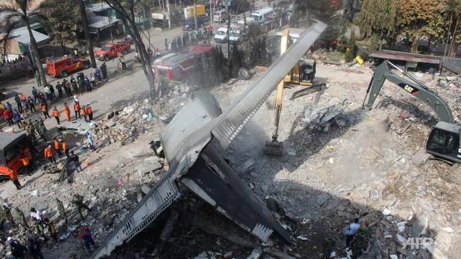 Hé lộ nguyên nhân rơi máy bay quân sự Indonesia