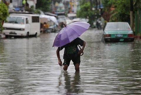 Ngập lụt kinh hoàng ở miền Bắc Philippines, 4 người chết
