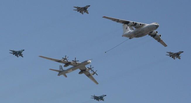 Iran muốn mua 100 máy bay tiếp dầu của Nga