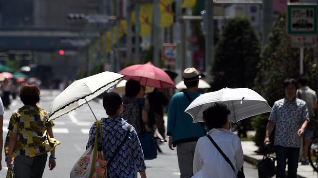Nhật nắng nóng kinh hoàng, hơn 6000 người nhập viện