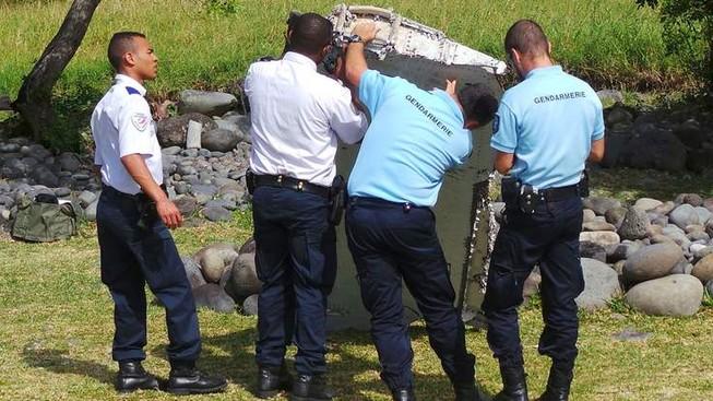 Người đàn ông kể lại khoảnh khắc phát hiện 'mảnh vỡ MH370'