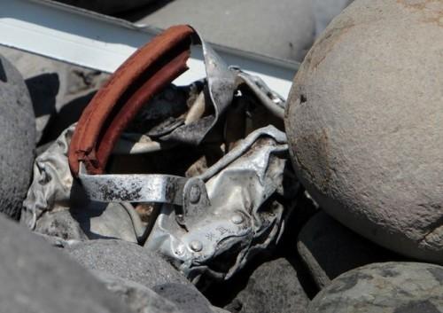 Tìm thấy mảnh vỡ máy bay thứ 2 trên đảo Reunion