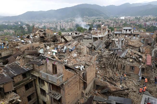 Thêm đường nứt gãy đe dọa động đất dịch chuyển Everest