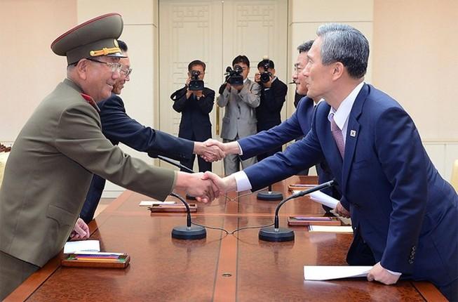 Hàn Quốc đàm phán với Triều Tiên dỡ bỏ trừng phạt