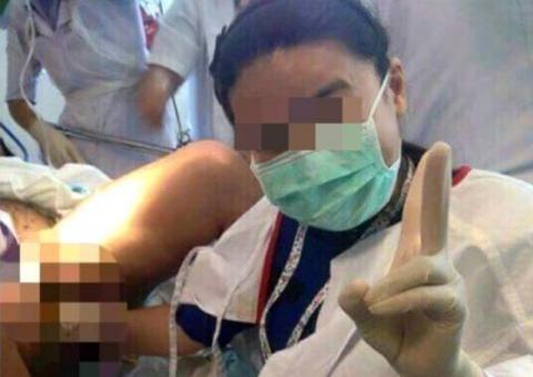 Bác sĩ bị điều tra vì vừa 'tự sướng' vừa đỡ đẻ