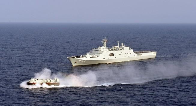 Tàu chiến Trung Quốc đang 'nhòm ngó' Bắc Cực?