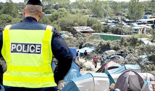 Pháp săn lùng IS đội lốt người tị nạn thâm nhập Anh