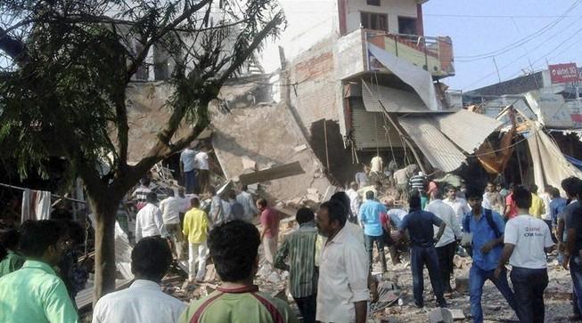 Nổ nhà hàng Ấn Độ làm 82 người chết