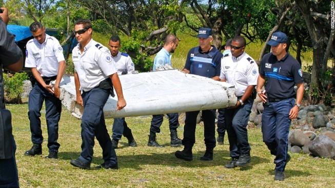 Phát hiện thêm vật thể lớn nghi mảnh vỡ máy bay gần đảo Reunion