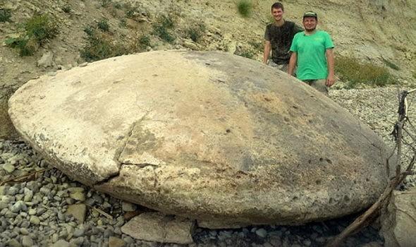 Phát hiện đĩa bay UFO một triệu năm tuổi?