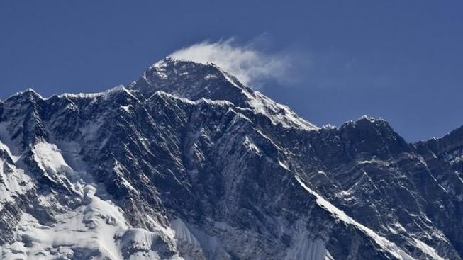 Nepal cân nhắc hạn chế người khuyết tật leo Everest
