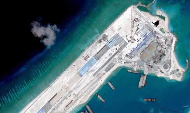 Tàu Mỹ quyết vào 'lãnh hải' đảo nhân tạo, quan hệ Mỹ-Trung tuột dốc?