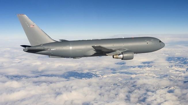 Nhật Bản mua ba máy bay tiếp dầu trên không của Mỹ