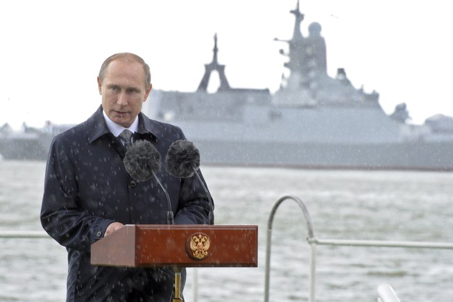 NATO báo động về 'vành đai thép' của Nga