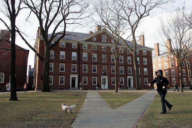 Sơ tán Trường ĐH Harvard vì cảnh báo khủng bố