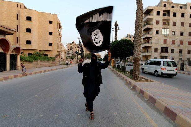 IS đã rải sào huyệt khủng bố khắp châu Âu